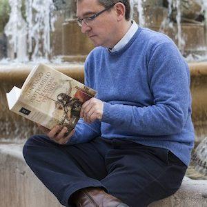 """Santiago Posteguillo: """"Puedo entretener y a la vez enseñar a navegar por la historia"""""""
