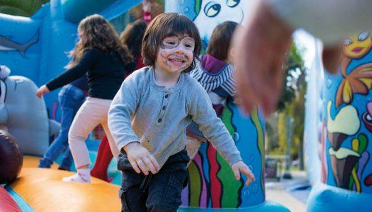 La Feria Familiar contra el cáncer infantil celebra su 12ª edición.