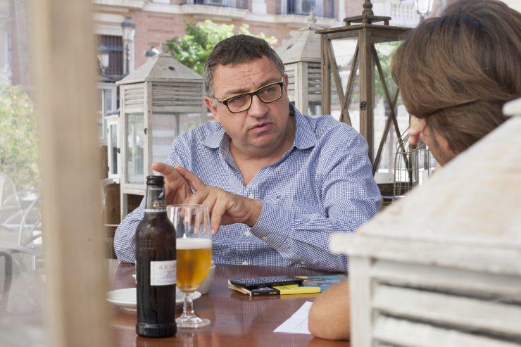 Entrevistamos a Vicent Llorens