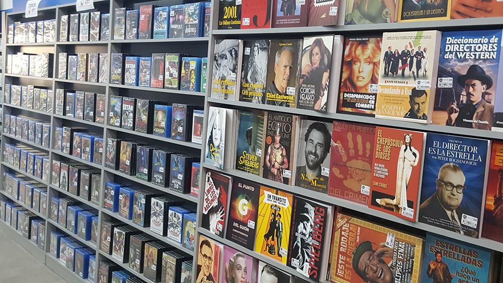 Amantes del cine, Diversión y Ocio abre nueva tienda en Valencia profundizando en el coleccionismo cinéfilo y el outlet Lowcost.