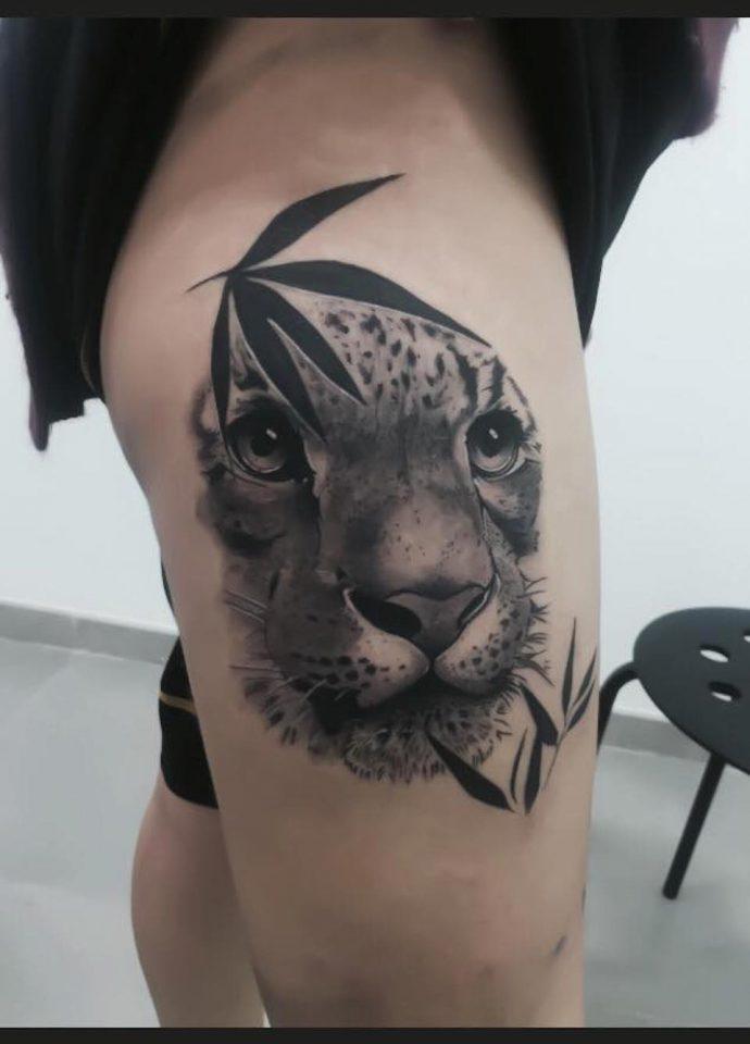 Realismo animal obra de Tropican Tattoo