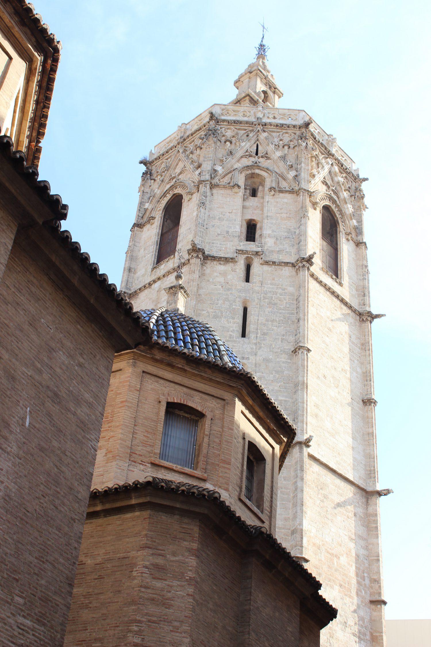 Vivir Valencia es vivir la ciudad sus monumentos como el Miguelete