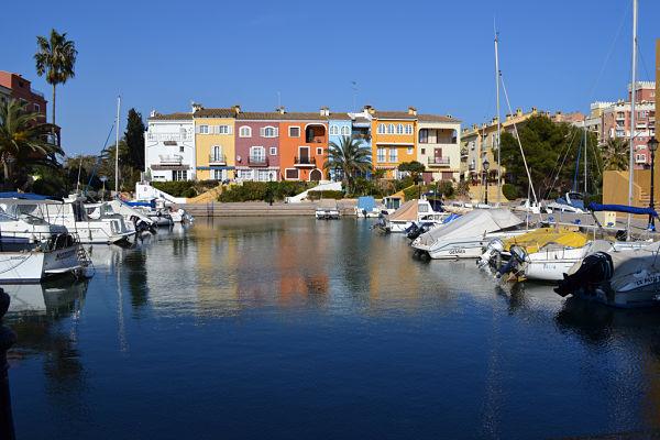 port-saplaya, la pequeña Venecia