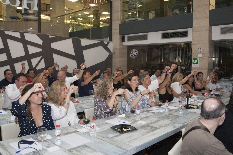 La revista Hello Valencia celebró un año más su aniversario con una de sus conocidas fiestas. La esperada SUMMER VILLAGE PARTY