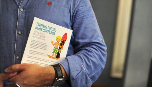 """Juan Martínez Otero """"Nuestra labor no debe limitarse a decirles: ¡Deja el móvil! Hay que educar en positivo y proponer alternativas"""""""