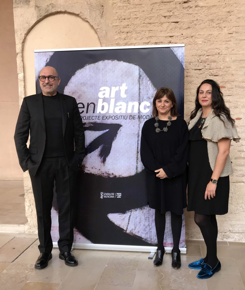 e ha presentado esta mañana ARTENBLANC en el Centre del Carme Cultura Contemporània de València, un proyecto de moda