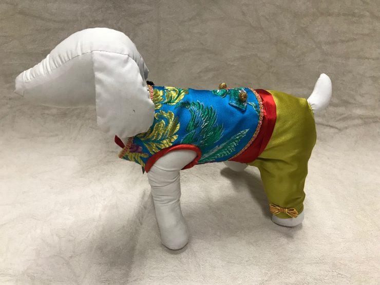 Doble Hueso crea trajes falleros para perros