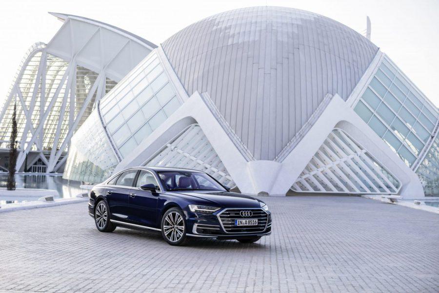 Motor. Audi A8: una nave espacial