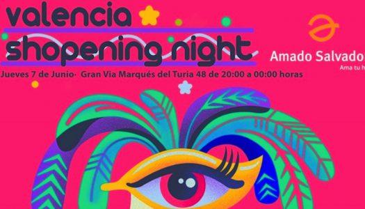 AMADO SALVADOR TE INVITA A SU COCKTAIL POR LA SHOPENING NIGHT CAIXA POPULAR