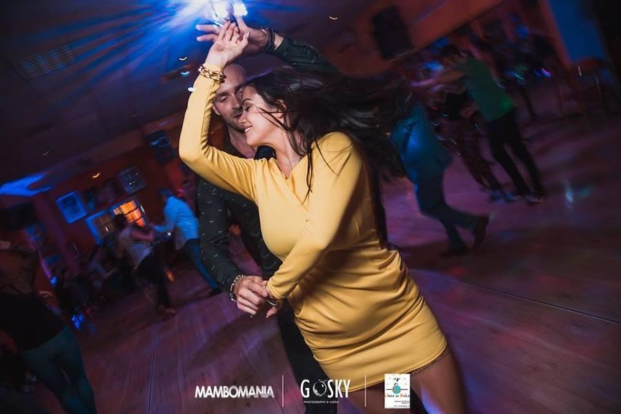 Línea de Baile, escuelas de baile
