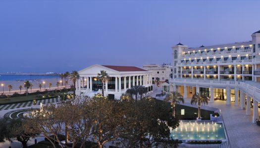 El Hotel Las Arenas se abre al público