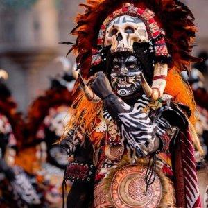 En verano, los pueblos de Valencia se llenan de actividades donde la gastronomía, la cultura, las verbenas, las procesiones, la pirotecnia, los toros y mercados artesanos, entre otros eventos, destacan en la gran mayoría de fiestas patronales o mayores.