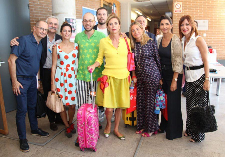 La diseñadora Ágatha Ruiz de la Prada junto a distintas personalidades del mundo de la moda