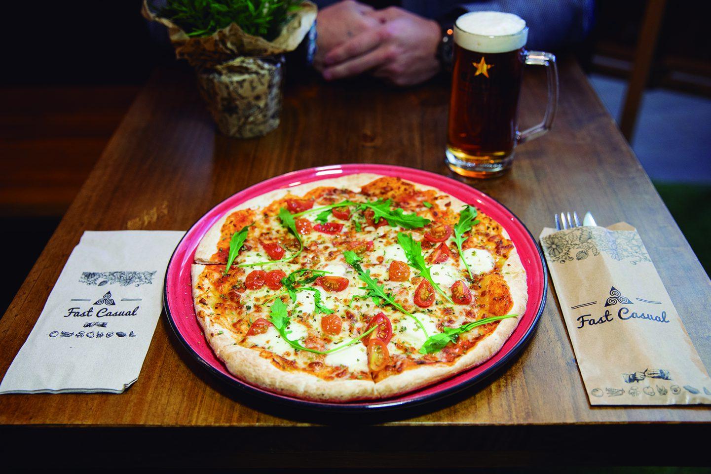 Fast Casual Pizza & Tasty.Cocina rápida rica y saludable