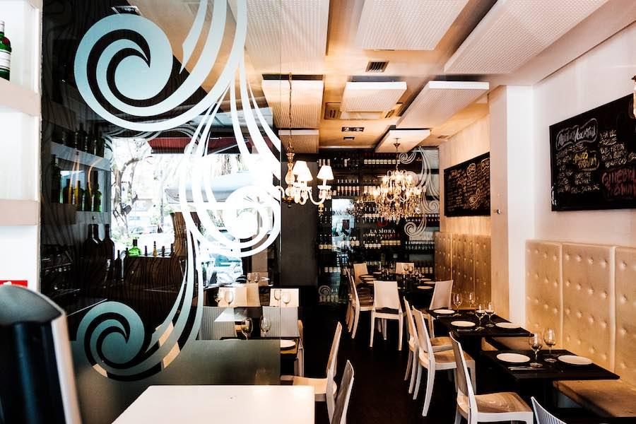 La Mora Taberna está entre los 10 restaurantes ideales para comer o cenar en Valencia por menos de 15 euros