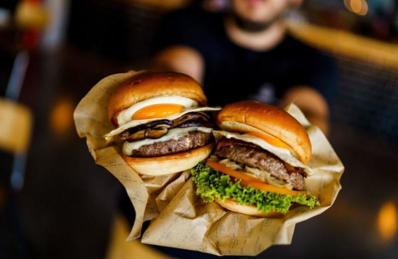 hamburguesa black turtle