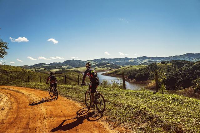 Ciclismo de montaña, deportes seguros para este verano peculiar